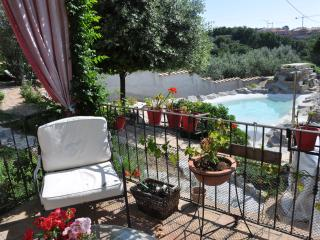 Bright 1 bedroom Apartment in Bagnaia with Internet Access - Bagnaia vacation rentals