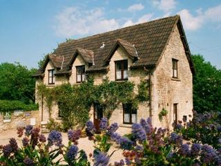 Nice 3 bedroom Cottage in Castle Combe with Internet Access - Castle Combe vacation rentals
