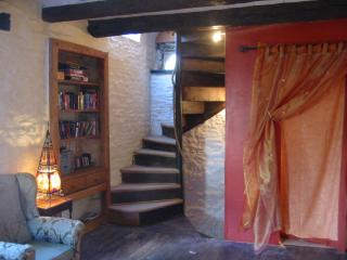 400yr old Romantic Retreat - Dinan vacation rentals