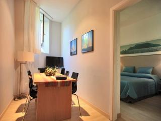 Residenza L'ISOLA- la Sirena - Naples vacation rentals