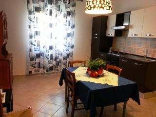Cozy Apartment with Internet Access and Balcony - Siniscola vacation rentals