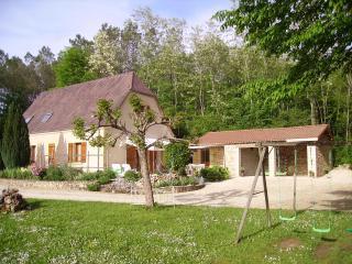 VILLA de VACANCES  avec PISCINE en PERIGORD - Peyzac-le-Moustier vacation rentals