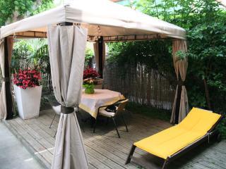 AVIGNON La Gentilhomière appartement avec jardin - Avignon vacation rentals