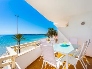Apartment looking onto the beach in Cala Millor - Cala Millor vacation rentals