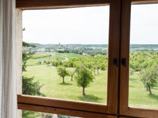 Wonderful 2 bedroom Montcuq Cottage with Television - Montcuq vacation rentals