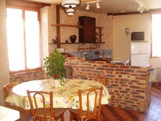 2 bedroom Gite with Internet Access in Donzy - Donzy vacation rentals