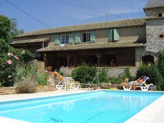 3 bedroom House with Washing Machine in Lournand - Lournand vacation rentals