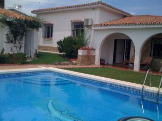 3 bedroom Villa with Internet Access in Caleta De Velez - Caleta De Velez vacation rentals
