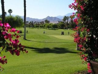 Cozy 2 bedroom House in Palm Springs with Washing Machine - Palm Springs vacation rentals