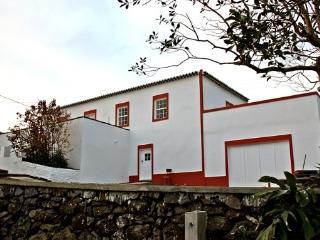 Casa de Almagreira - Turismo Rural - Casa de Campo - Vila do Porto vacation rentals