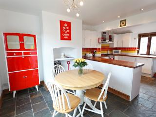 Bright Cottage in Sheringham with Television, sleeps 6 - Sheringham vacation rentals