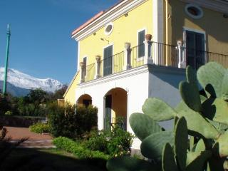 Nice Condo with Internet Access and A/C - Acireale vacation rentals