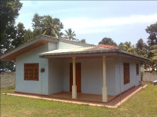 Nice House with Internet Access and Television - Udugampola vacation rentals