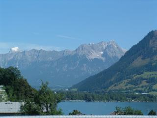 Bergstrasse 26. Lake view , near ski lifts. - Zell am See vacation rentals