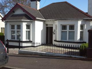 """Number Seven"" seaside cottage,Ballycast - Ballycastle vacation rentals"