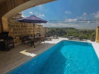 3 bedroom Farmhouse Barn with Internet Access in Nadur - Nadur vacation rentals