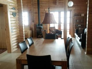 Charming Luxurious Family Log Cabin - Fludir vacation rentals