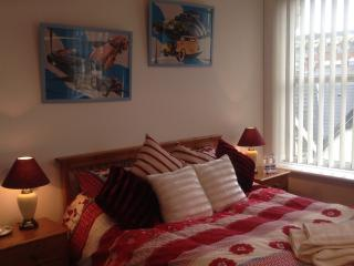 A PLACE in HEAVEN Nr CARDIFF FREE Wifi Parking - Barry vacation rentals