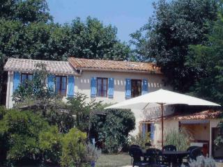 Les Glycines ( Four bed house,with private pool) - La Redorte vacation rentals