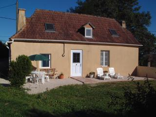 Nice Gite with Satellite Or Cable TV and Television - Simacourbe vacation rentals