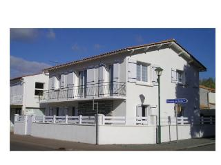 Nice Condo with Short Breaks Allowed and House Swap Allowed - Longeville-sur-mer vacation rentals