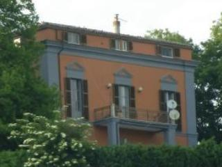 VILLA PENSIERI - 30euro a persona - Bisenti vacation rentals