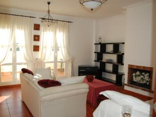 Charming Spanish Townhouse - Pueblo Nuevo de Guadiaro vacation rentals
