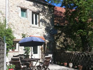 Character cottage in unspoilt countryside - La Souterraine vacation rentals
