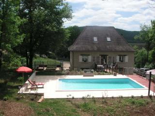 Beautiful 4 bedroom House in Aubas - Aubas vacation rentals