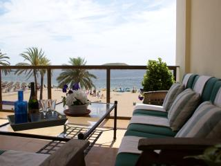 Beautiful 3 bedroom Magalluf Apartment with Internet Access - Magalluf vacation rentals
