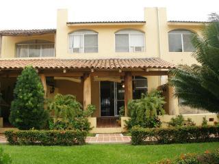 Deal! Beautiful Villa Ixtapa 3BR Great location - Zihuatanejo vacation rentals