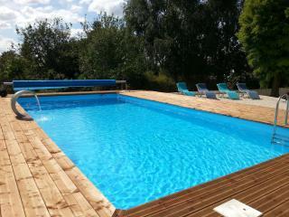 Bright 4 bedroom Farmhouse Barn in Civray - Civray vacation rentals
