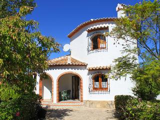 BEAUTIFUL VILLA WITH PRIVATE POOL NEAR THE BEACH - Els Poblets vacation rentals