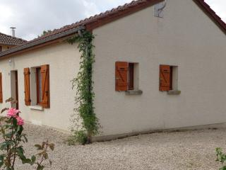 2 bedroom House with A/C in Giffaumont-Champaubert - Giffaumont-Champaubert vacation rentals