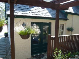 Lovely Studio with Internet Access and Central Heating - Braemar vacation rentals