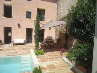 Bright 4 bedroom Barbentane House with Internet Access - Barbentane vacation rentals