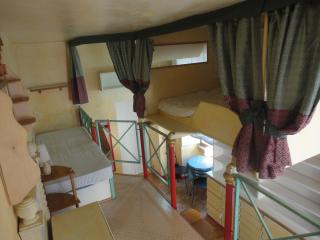 2 Anfore a Testaccio (Young) - Rome vacation rentals