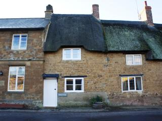 2 bedroom Cottage with Internet Access in Banbury - Banbury vacation rentals