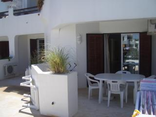 Perfect Condo with Internet Access and Dishwasher - Albufeira vacation rentals