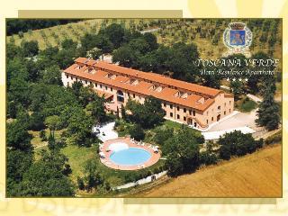 Cozy 2 bedroom Laterina Resort with Garden - Laterina vacation rentals