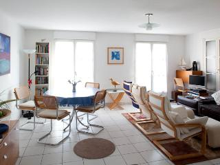 Modern Townhouse in Honfleur with secure parking - Honfleur vacation rentals