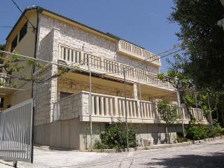 3 bedroom Apartment with Internet Access in Lokva Rogoznica - Lokva Rogoznica vacation rentals