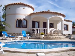 3 bedroom Villa with Internet Access in L'Ametlla de Mar - L'Ametlla de Mar vacation rentals