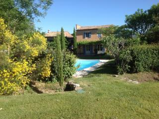 Nice House with Internet Access and Dishwasher - Roussillon vacation rentals