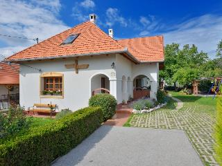 Lovely Gite with Dishwasher and Grill - Balatonalmadi vacation rentals