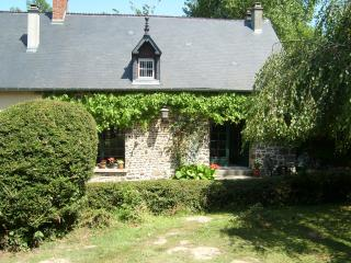 Lovely Tessy-sur-Vire Cottage rental with Internet Access - Tessy-sur-Vire vacation rentals
