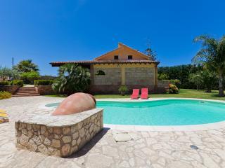 Villa Fashion + Depedance - Cinisi vacation rentals