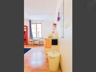 adorable studio 2 centre historique wifi - Aix-en-Provence vacation rentals