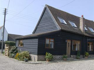 The Coach House, in a lovely location, but short drive to amenities - Chesham vacation rentals