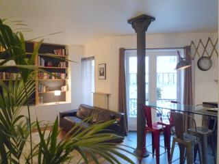 Lovely Condo with Internet Access and Dishwasher - Paris vacation rentals